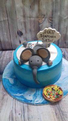 Cartoon Character Cake by Dessert Island