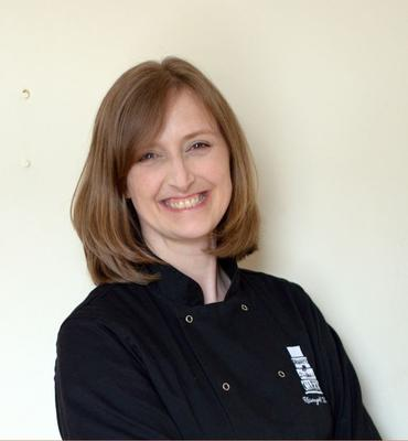 Rhiannydd Webb from USA-Owner of Dragons and Daffodils Cakes