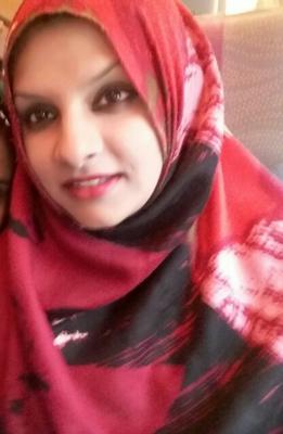 Warda Hussaini - Owner of Fashionz Feel